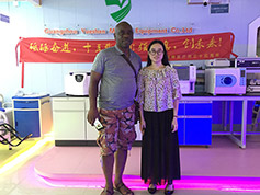 Medical X Ray Customer From Africa Visit Guangzhou